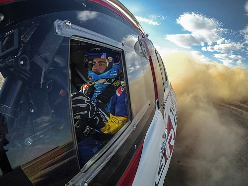 Fernando Alonso Keeps an Eye on Dakar with TOYOTA GAZOO Racing